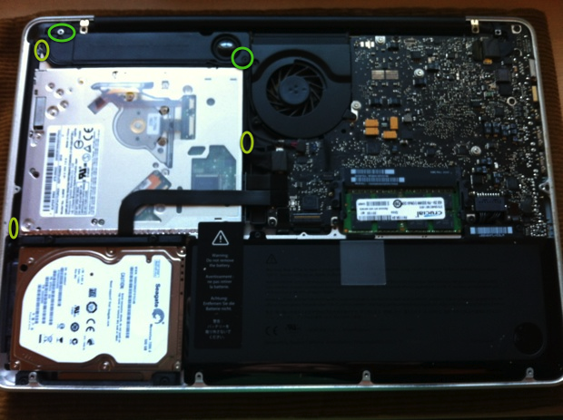 05-SSD_resized-SuperDrive-Screws